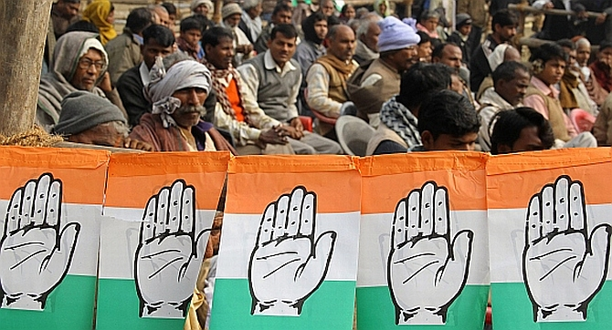 Congress dominant in Puducherry, Lakshadweep