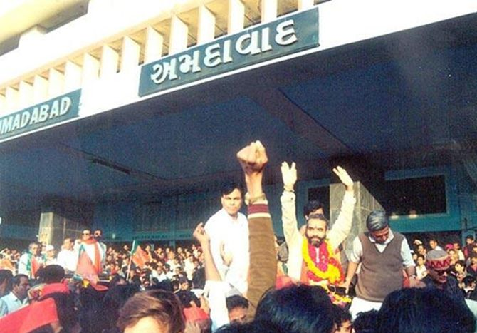 Narendra Modi being welcomed to Ahmedabad after winning the assembly elections in 1990.