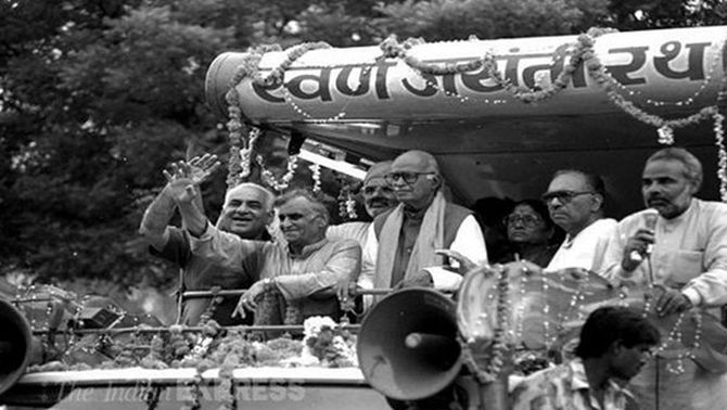 Modi with LK Advani during his yatra from Somnath to Ayodhya.