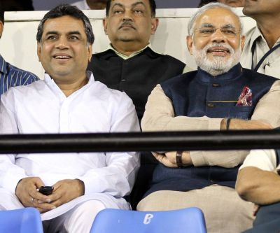 Paresh Rawal with Narendra Modi, then the Gujarat chief minister. Photograph: Kind courtesy Paresh Rawal/Facebook