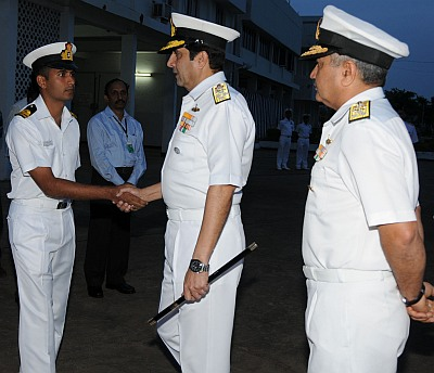 Vessel sinking: Navy chief says chances of finding survivors 'grim'
