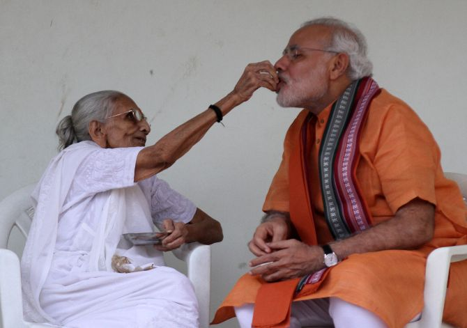 Modi to seek mother's blessings on Sunday