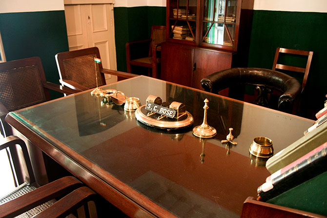 The desk where Netaji worked.