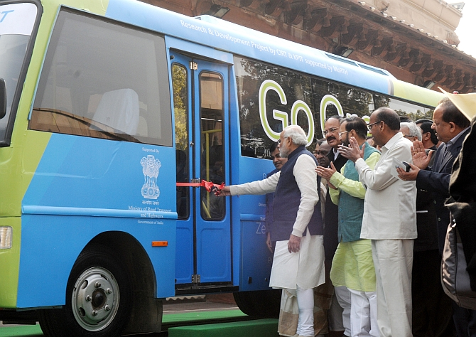 MPs now have an electric bus to take them to Parliament