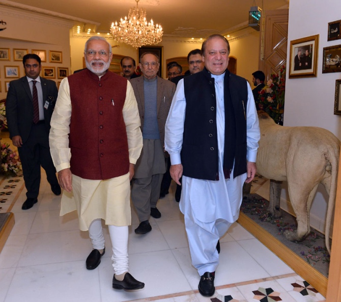Image result for Modi in a wedding to Pakistan