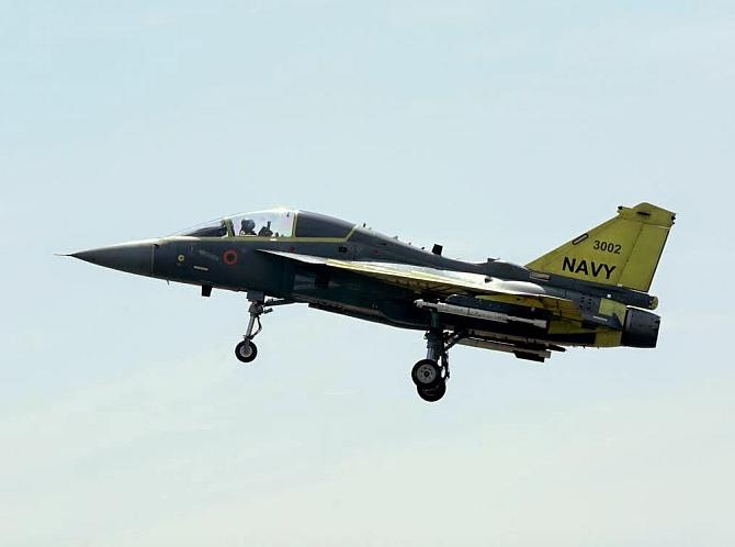 Naval LCA prototype makes 35-minute sortie
