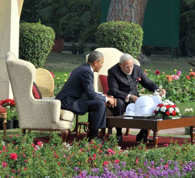 PM Modi and President Obama have tea at Hyderabad House