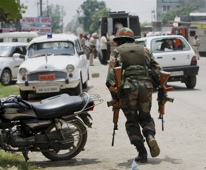Gurdaspur attack magnifies armour shortage scare