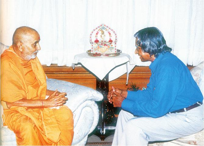When A P J Abdul Kalam Met Pramukh Swami Maharaj Rediff Com India News