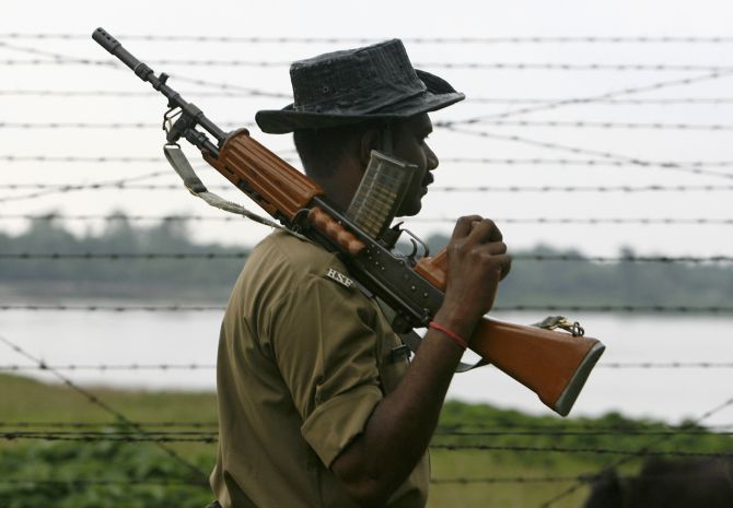 Guardians of 'no man's land' along Indo-Bangla border