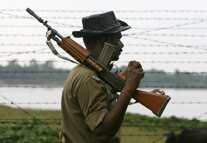 Guardians of 'no man's land' along Indo-Bangla border