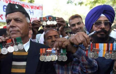 On Day 4 of OROP strike, ex-servicemen are ready to sacrifice their lives