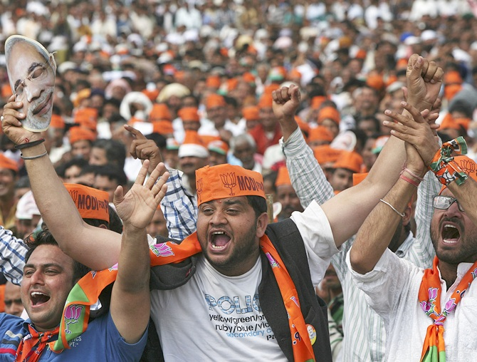 BJP supporters at a Narendra Modi campaign rally in J&K