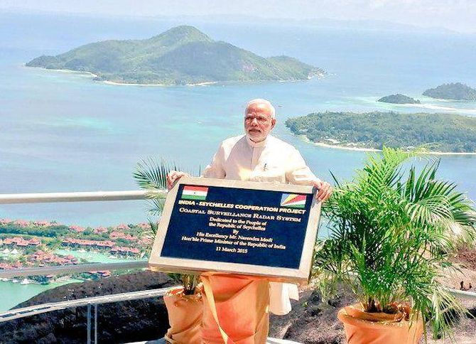 Modi S Visit To Seychelles Was Part Of His Indian Ocean Outreach Programme The First Pm In 34 Years Launched A Coastal