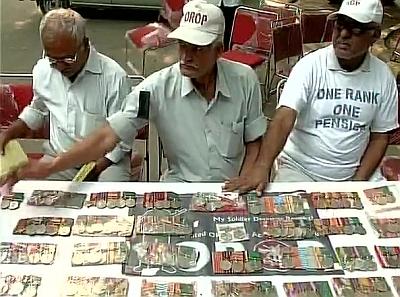 Behaviour of protesting ex-servicemen unlike that of soldier: Parrikar