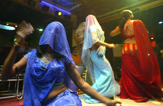 A Mumbai Dance Bar