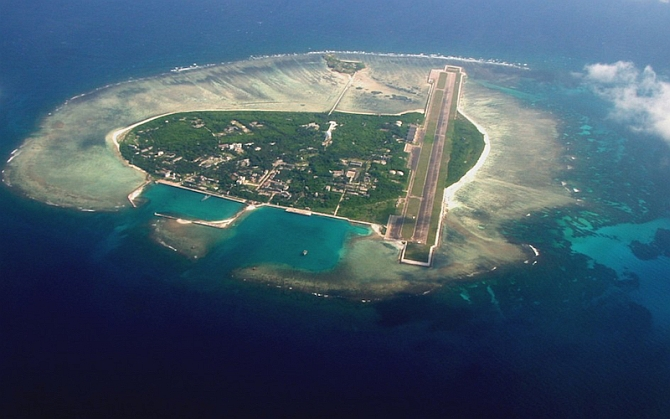 US rejects Chinese claims in South China Sea