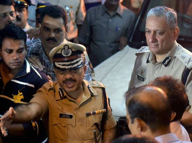 Rakesh Maria's tell-all book riles Mumbai top cops