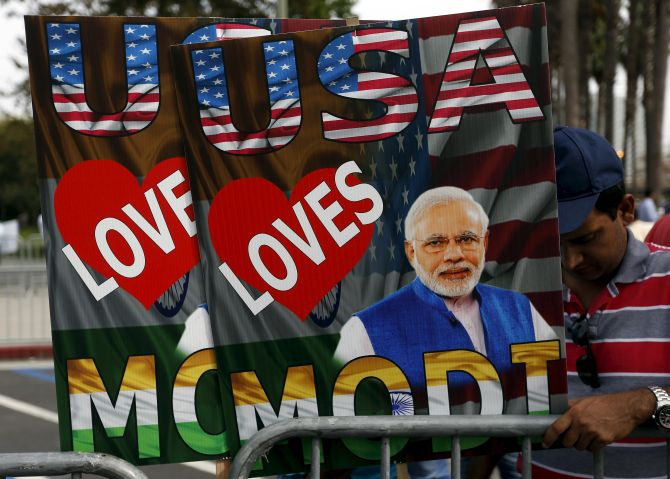 A poster welcoming Narendra Modi in the US