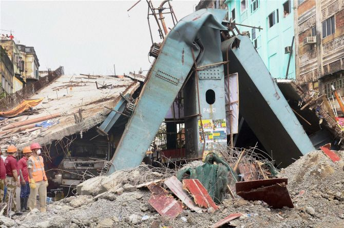 Rescue operations after an under-construction flyover collapsed in Kolkata, April 1. Photograph: PTI Photo