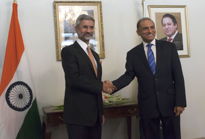 Indian Foreign Secretary S Jaishankar with his Pakistan counterpart Aizaz Ahmad Chaudhry