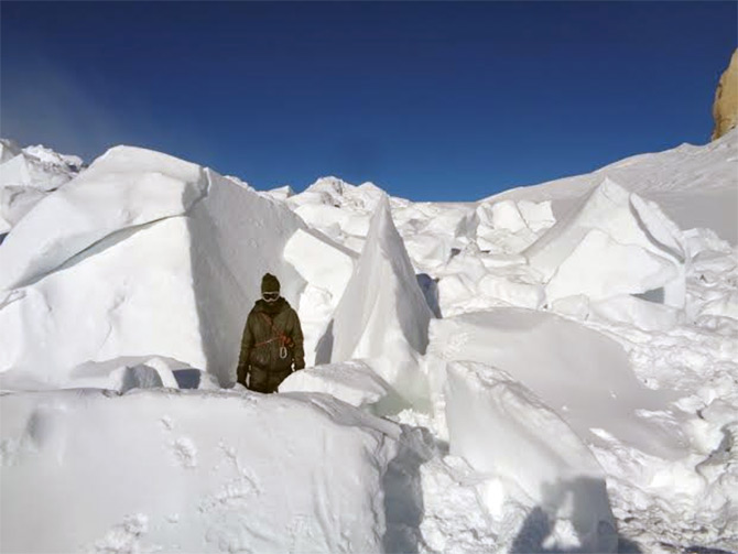 The ice boulders the rescue team had to deal with on the Siachen glacier..