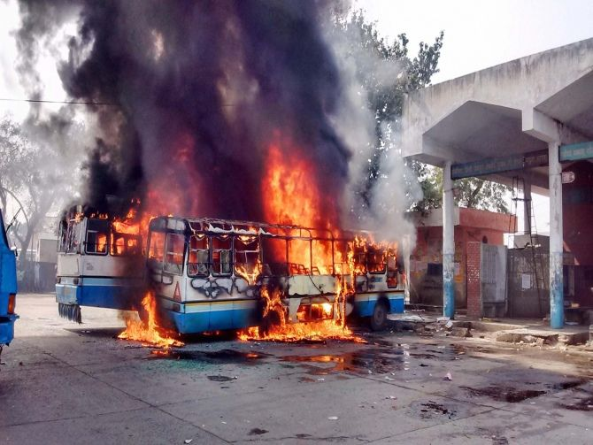 Buses set on fire in Sonepat