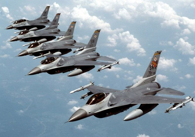 Pakistan to purchase American-made F-16 jets to counter India