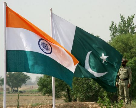 India slams Pak for stopping postal mail service