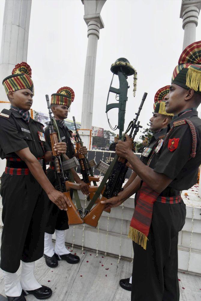 PHOTOS: India remembers Kargil war heroes - Rediff com India