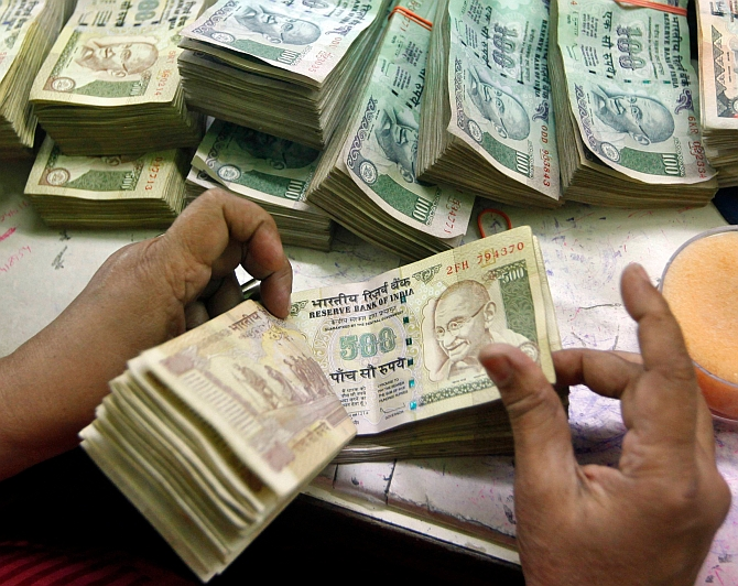 This chat is over now: All about ban on Rs 500 and Rs 1000 notes