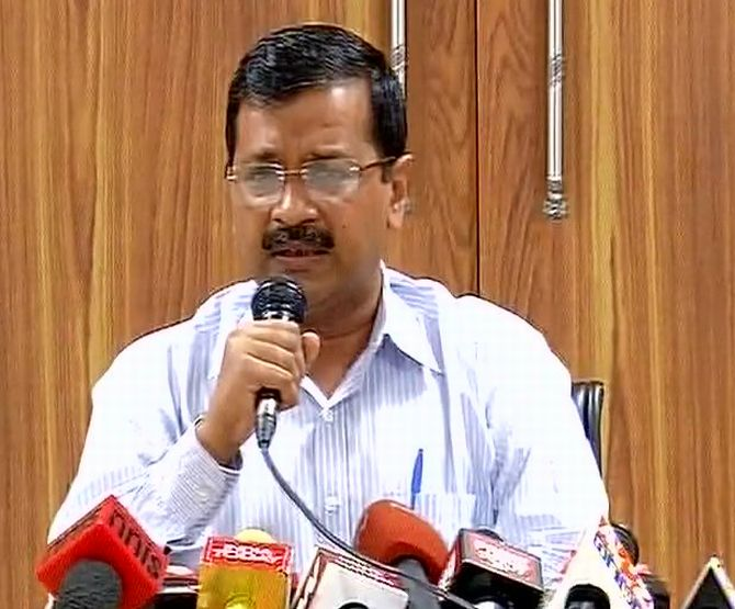 Revoke note ban before situation goes out of hand: Kejriwal