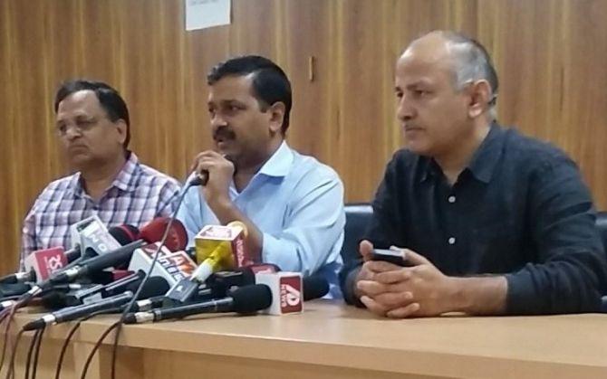 Kejriwal calls note ban a 'fraud', seeks rollback