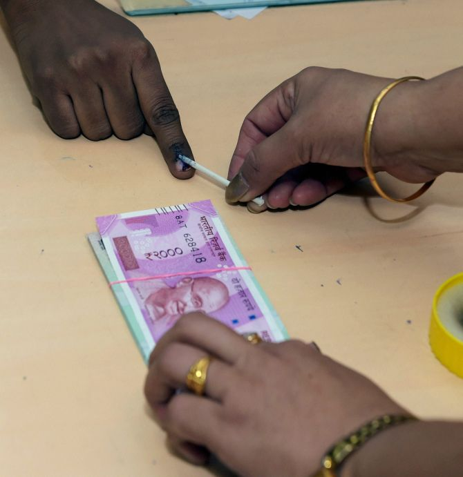 Exchanged old notes? Now, flash your inked finger