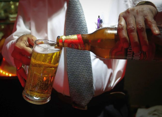 Lockdown effect: Kerala to issue passes for alcoholics