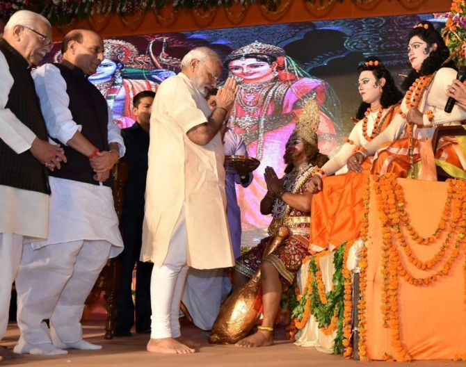 Prime Minister Narendra D Modi in Lucknow on Dussera, 2016.