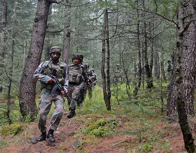 Soldiers search for terrorists in Lachipora in Uri, Jammu and Kashmir, September 20, 2016. Photograph: Umar Ganie