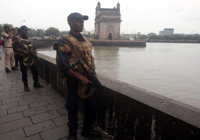 Khaskhabar/महाराष्ट्र:भारत की आर्थिक राजधानी मुंबई में बड़ा आतंकी हमला होने