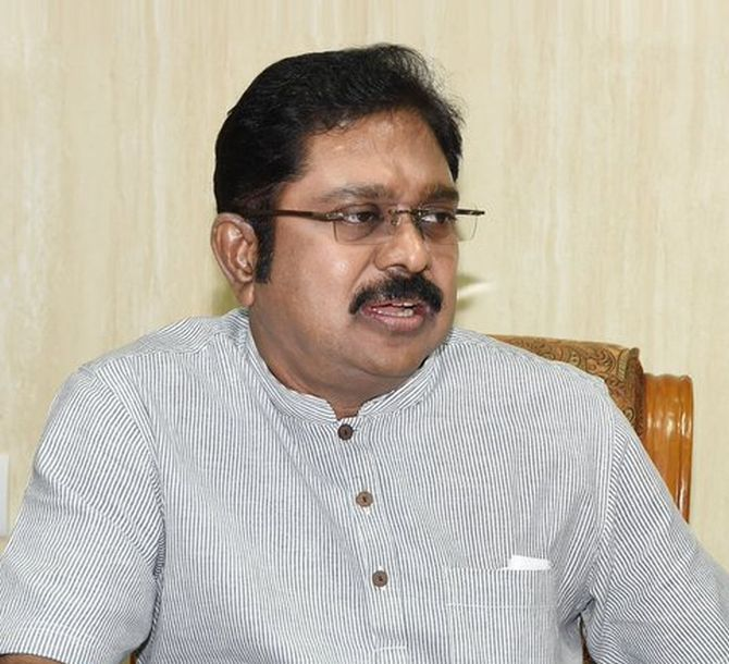 India News - Latest World & Political News - Current News Headlines in India - Dinakaran removes MP who said steps will be taken to oust Sasi