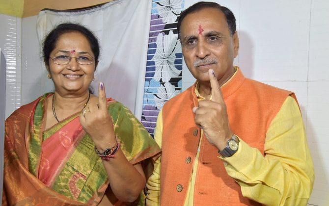 Gujarat polls: 1st phase ends with 68% voting, complaints of EVM tampering