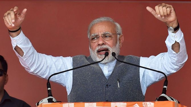 Modi claims Pakistan trying to influence Gujarat polls