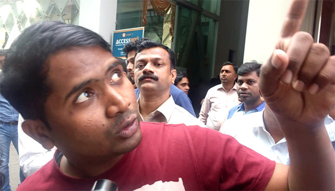 Mahesh Sable who saved many lives when a restaurant in Kamala Mills caught fire