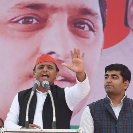 In SP bastion, Akhilesh issues warning to his detractors