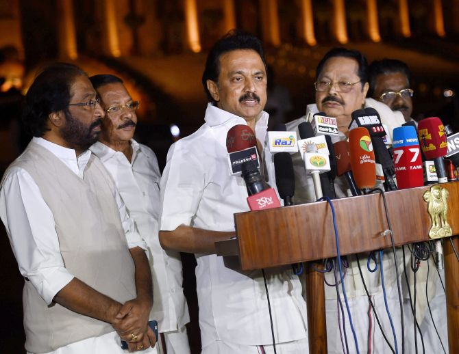 India News - Latest World & Political News - Current News Headlines in India - DMK moves Madras HC against 10% quota for general category