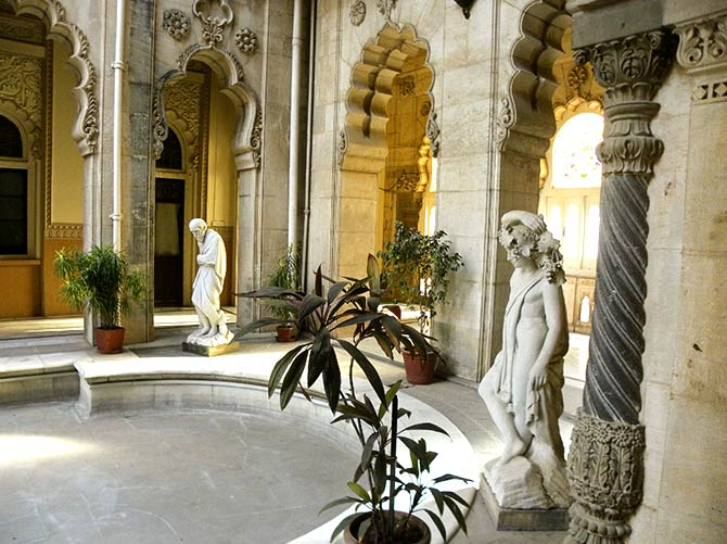 Italian sculpture Felicci in the courtyards of Lakshmi Niwas Palace
