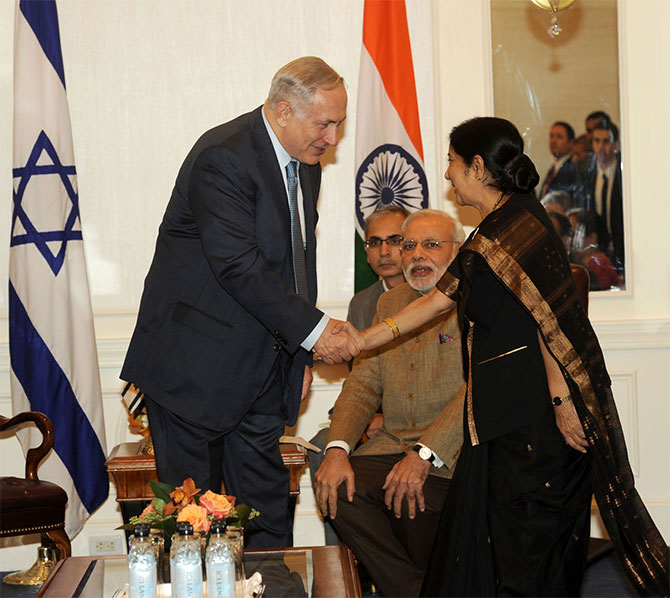 Israeli Prime Minister Benjamin Netanyahu greets External Affairs Minister Sushma Swaraj in New York, September 28, 2014, during Prime Minister Narendra Modi's visit to the United States. Photograph: Press Information Bureau