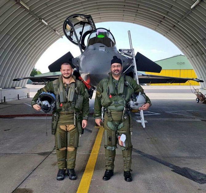 PHOTOS: IAF chief Dhanoa flies Rafale jet in France