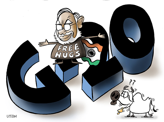Uttams Take Free Hugs G20