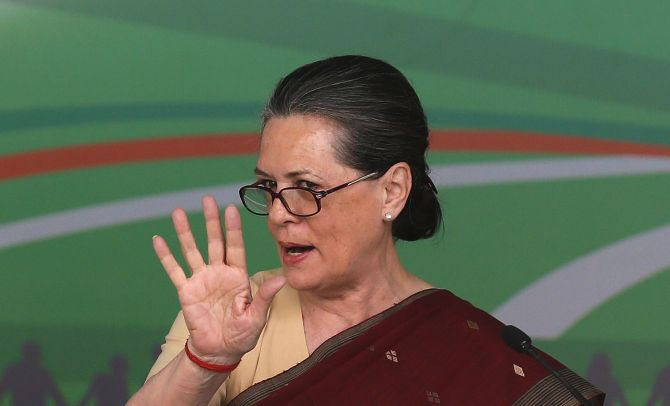 Prez poll: Rajnath, Venkaiah to meet Sonia for consensus candidate