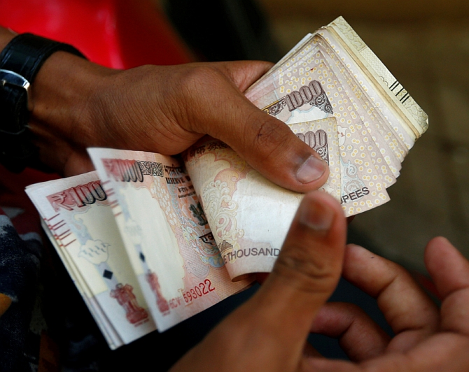 Have over 10 of those old notes? Rs 10,000 fine awaits you!